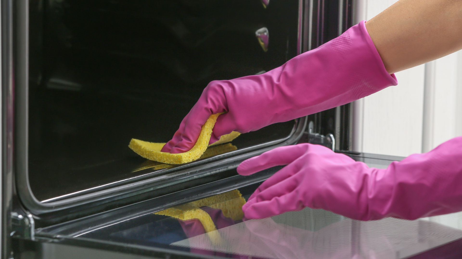 """Featured image for """"How to Clean an Oven Quickly (in 5 Minutes)"""""""